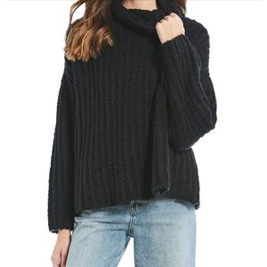 Free People fluffy Fox black chunky sweater Xs